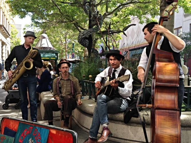 Street Musicians in Aptos | © JoAnneh Nagler