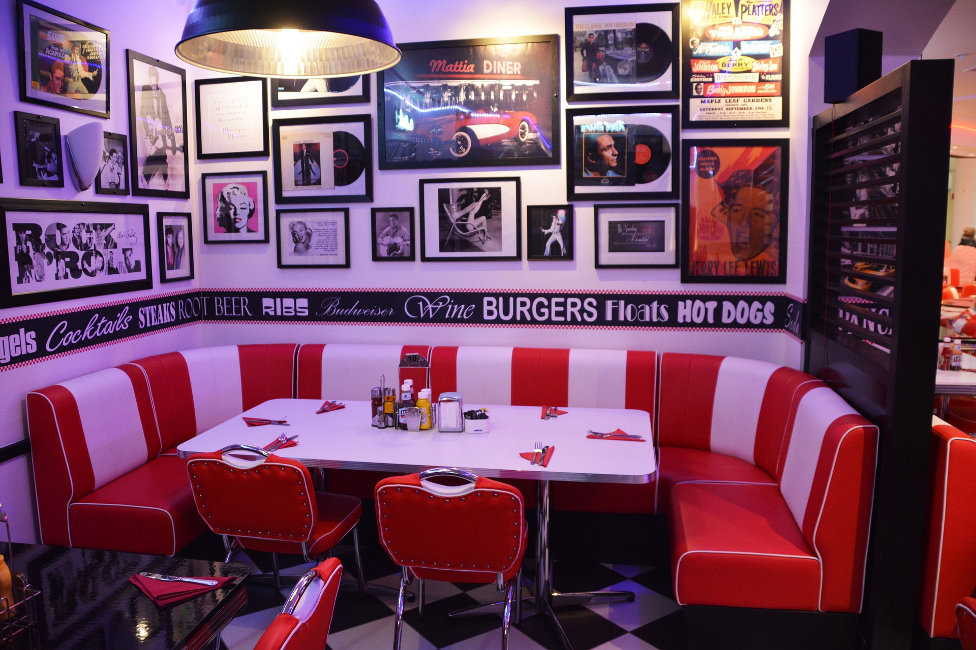 10 quirky themed bars and restaurants in barcelona for American classic diner