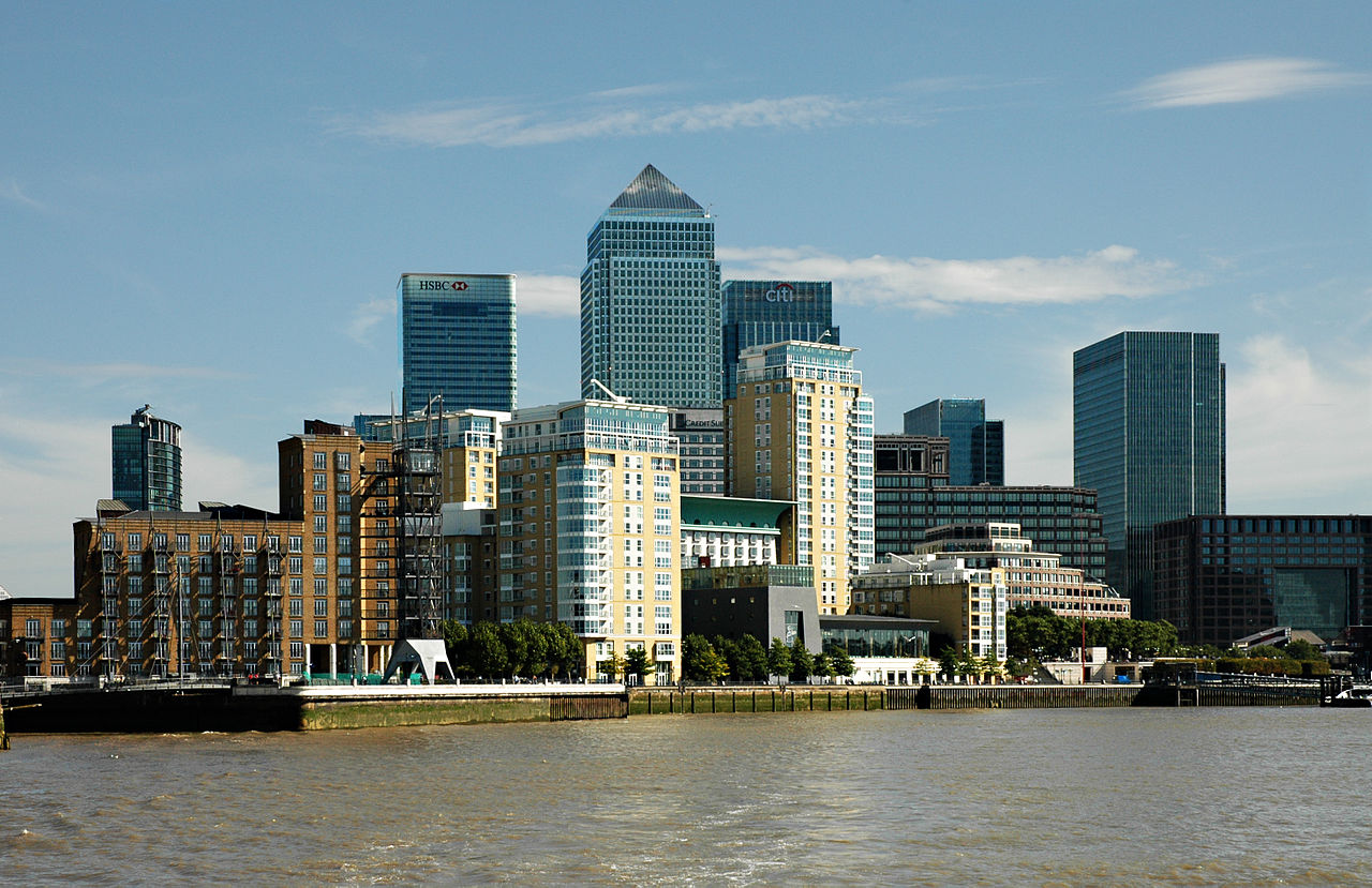 the best places to stay in canary wharf