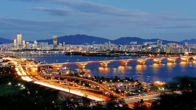 Seongsan Bridge and the Han River | © travel oriented/Flickr
