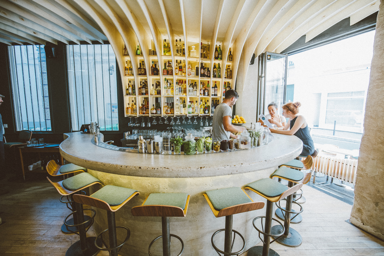 the best cocktail bars in paris. Black Bedroom Furniture Sets. Home Design Ideas