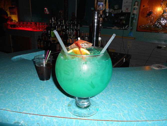 Fort lauderdale 39 s best beachfront bars for Fish bowl drink