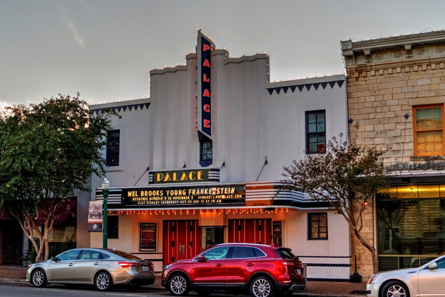 Top 10 things to do in georgetown texas for Georgetown movie theater
