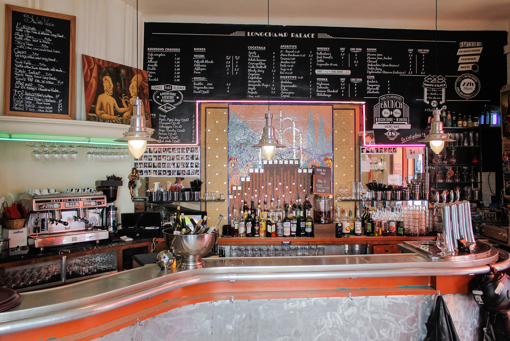 The 7 best brunch and breakfast spots in marseille s old port - Club house vieux port marseille ...