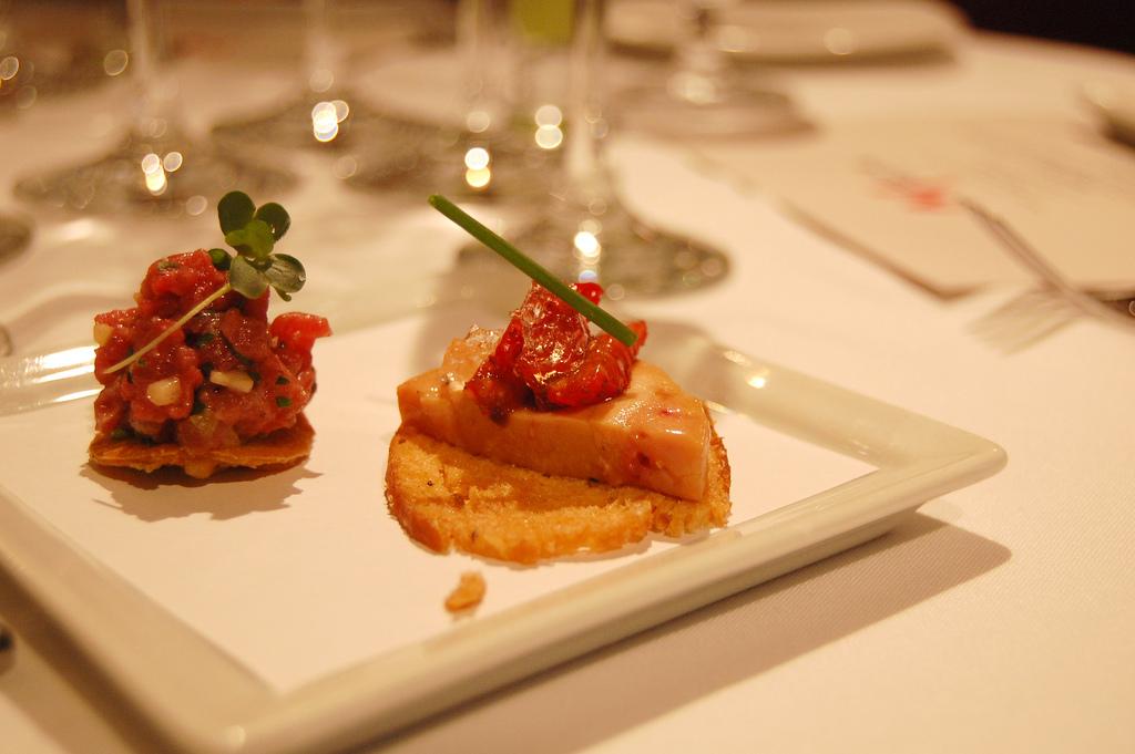 The best french restaurants in zurich for Seafood bar zurich