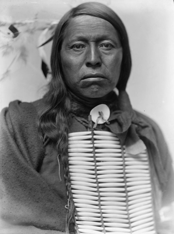 Chief Flying Hawk by Gertrude Käsebier, 1898, U.S. Library of Congress | © Gertrude Käsebier/WikiCommons