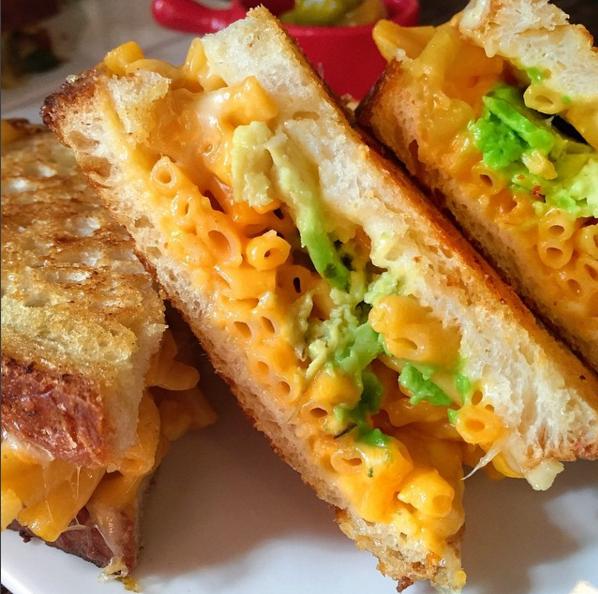 Mac 'n' cheese cheese melt
