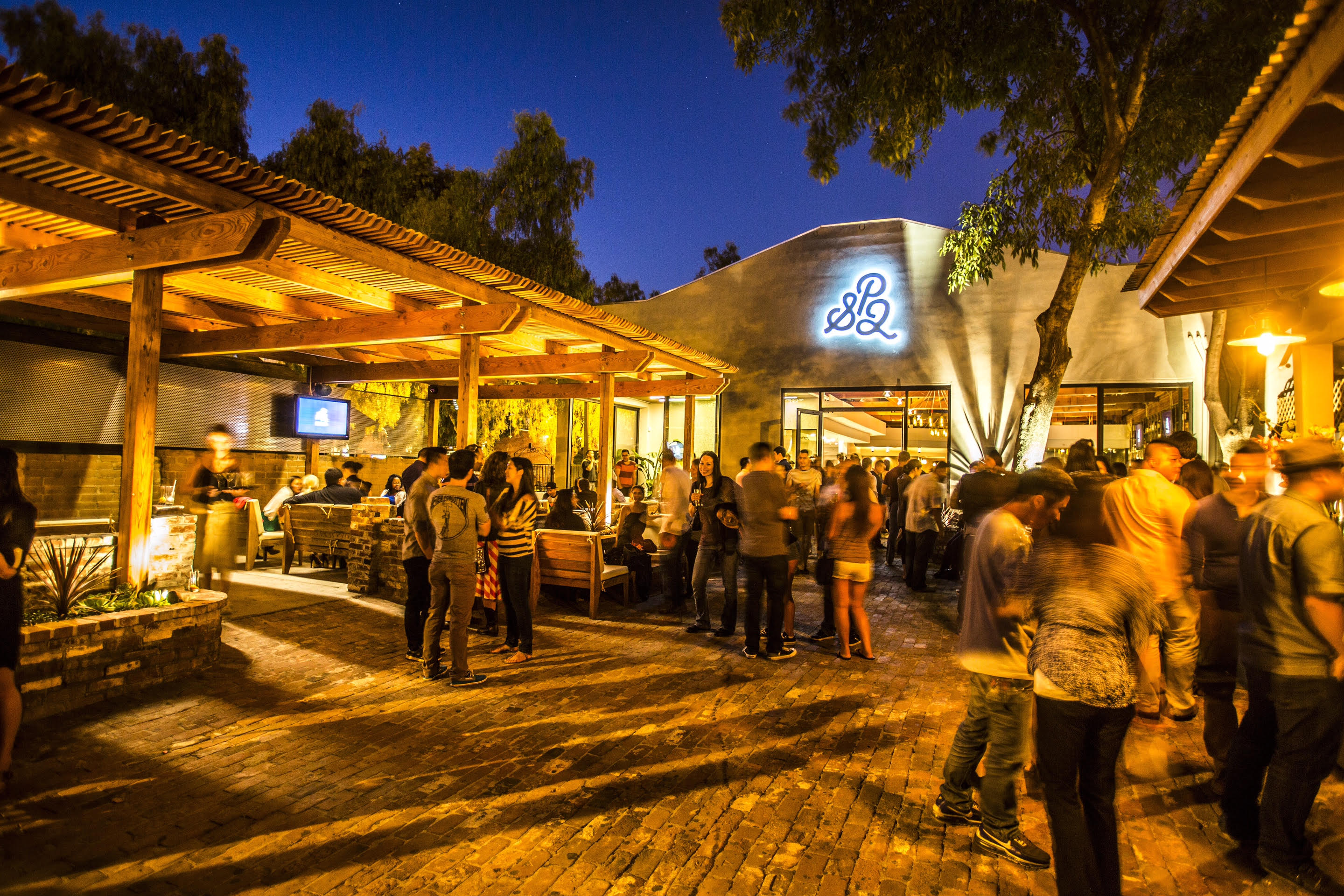The top 10 bars in downtown san jose california for Back bar sofa san jose