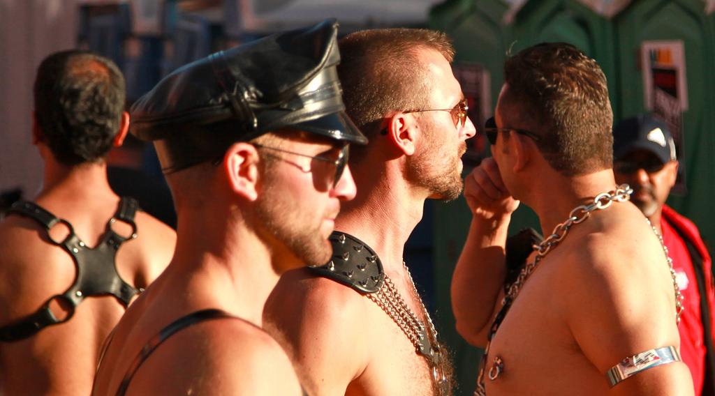 бесплатно смотреть гей фоторолики
