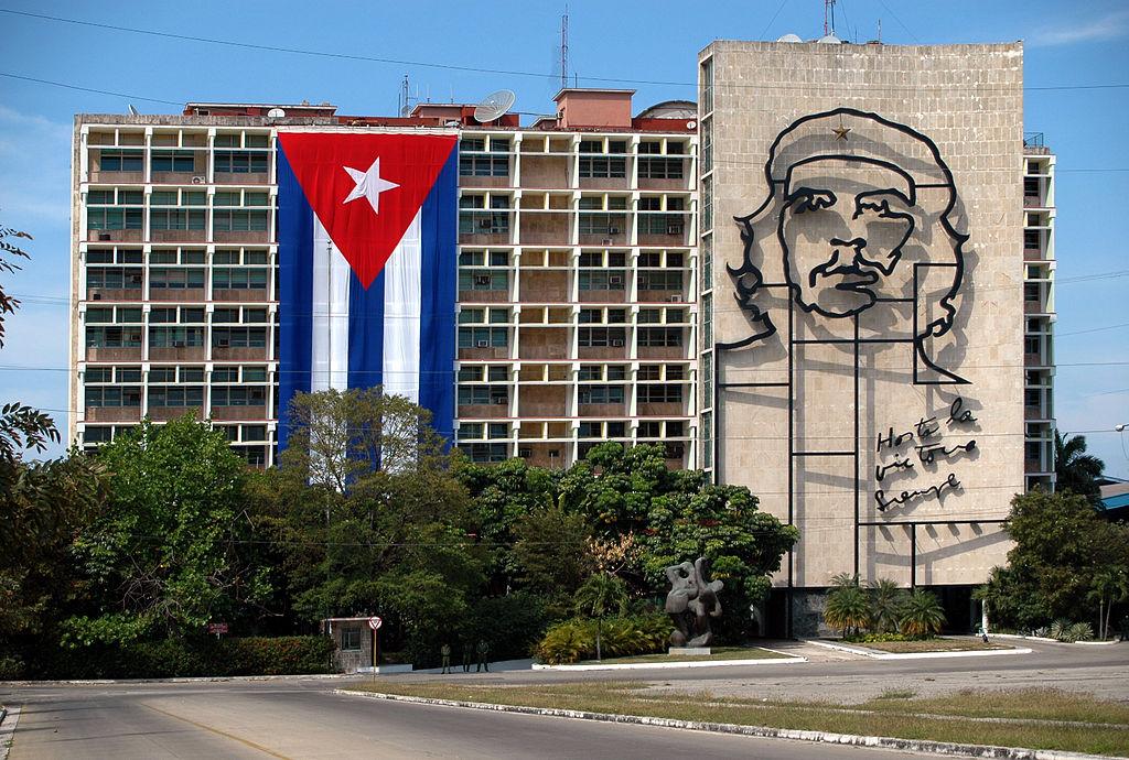 Quinta Avenida together with Piedra Bruta Mazo Cincel moreover Site de lancement de missiles a cuba 1962 Fr 877aa3e7 5cff 455f 8c30 Fc891b2f2fa9 further File Flag of Cuba  constructios further renault Trucks. on construction in cuba