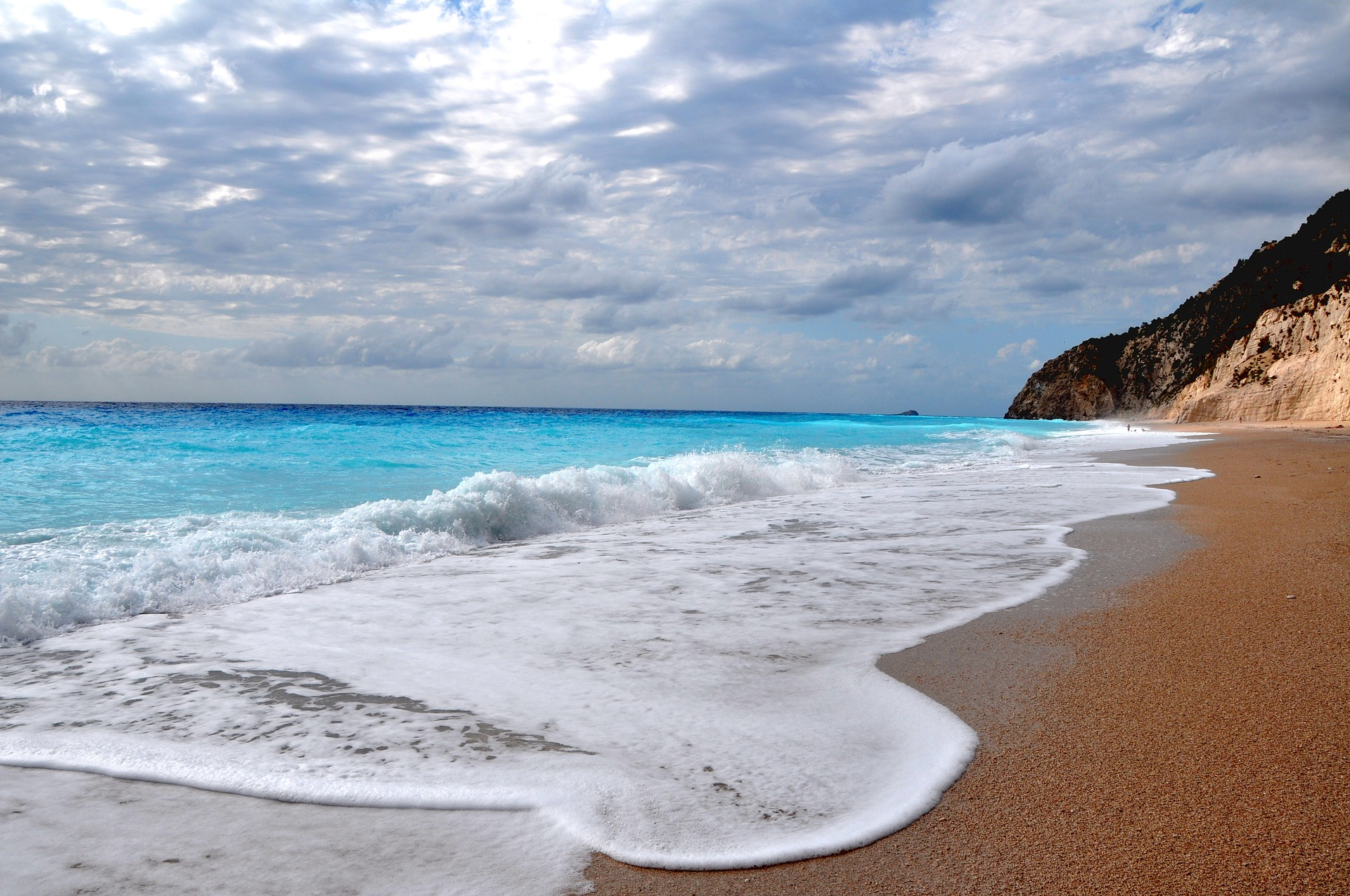 The Beach: A Guide To Greece's Beaches: Sandy And Pebbly