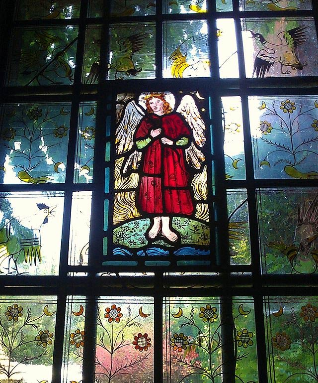 Red House Love Window | © Ethan Doyle White/Courtesy of WikiCommons