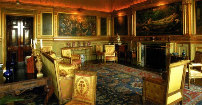 Buscot Park Saloon | © Trustees of the Faringdon Collection/Courtesy of WikiCommons