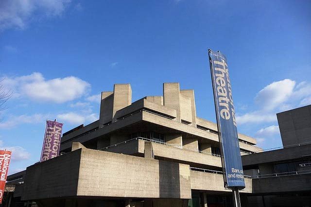 The National Theatre | © John Lord/Flickr