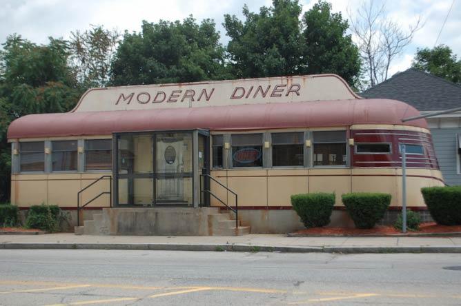 Modern Diner Exterior | © Kenneth C. Zirkel/WikiCommons