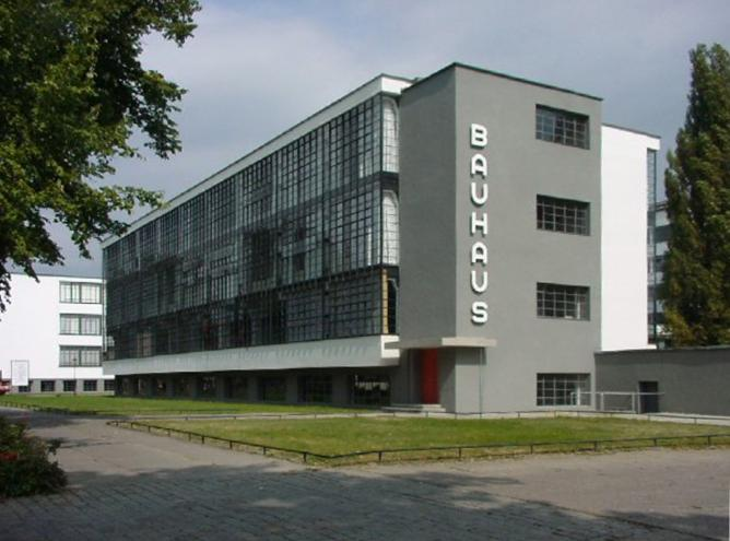 The Bauhaus Building in Dessau, Germany © Mewes/Wikipedia