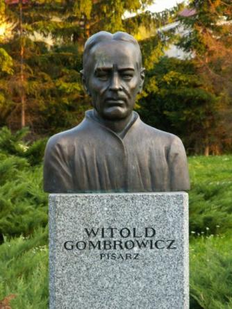 Statue of Witold Gombrowicz