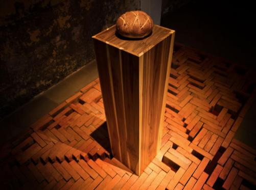 Rafael Ottón Solís, sculpture, bread, plinth