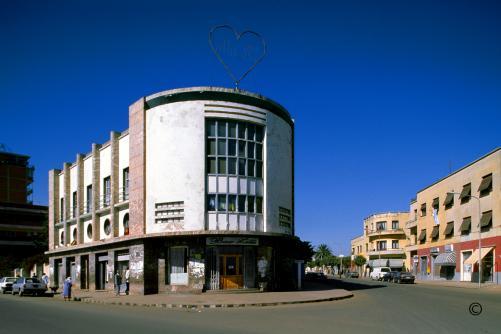 Bar Zillli Asmara © Edward Denison