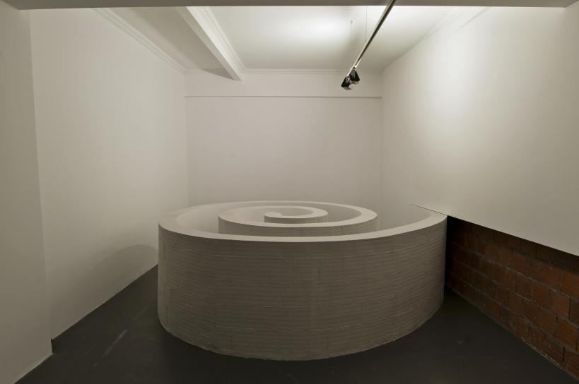 Questioning the canvas the surreal art of mehmet ali uysal for Surreal salon 8