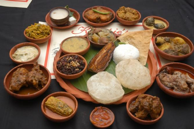 10 best places to eat in kolkata west bengal for Authentic bengali cuisine