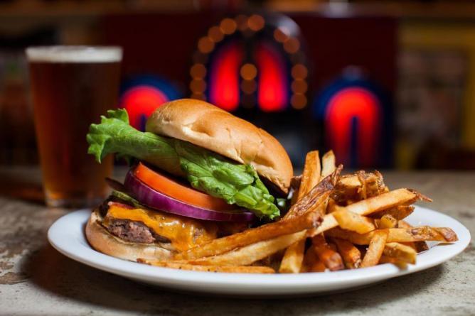 Green Truck Pub burger, Savannah GA