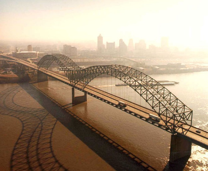 Hernando de Soto Bridge, Tennessee