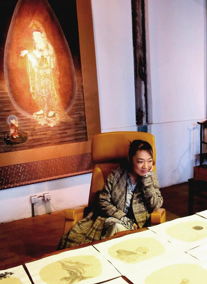 Bingyi Huang in her studio