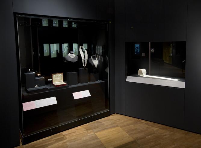 Kokichi Maimoto, Installation image of 'Pearls' | © Victoria and Albert Museum