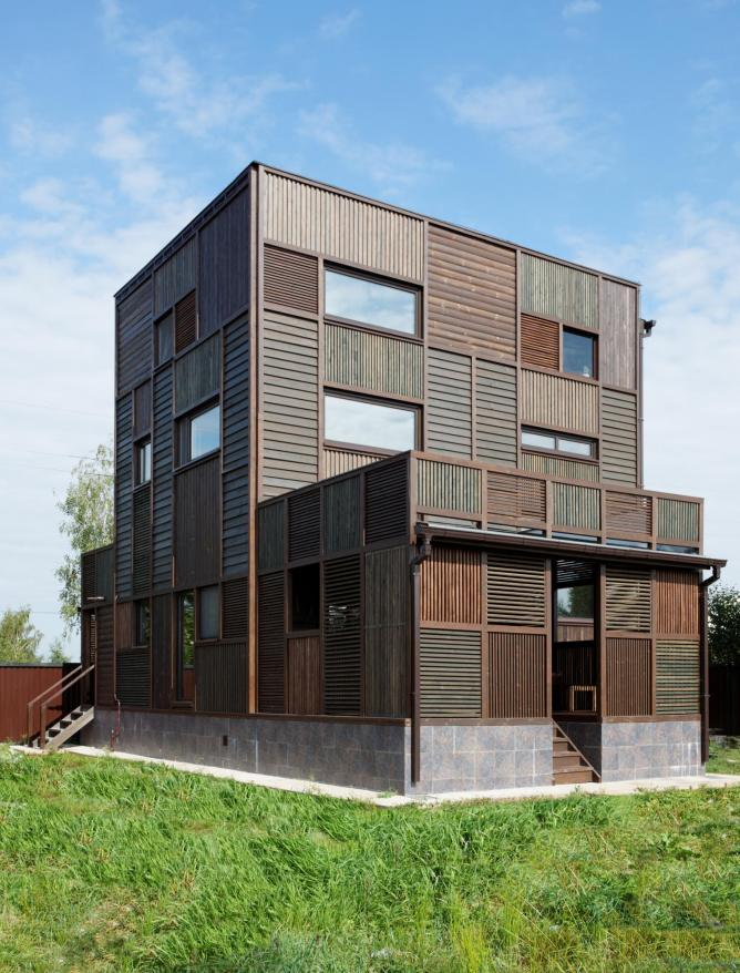 Peter Kostelov Volga House, Russia