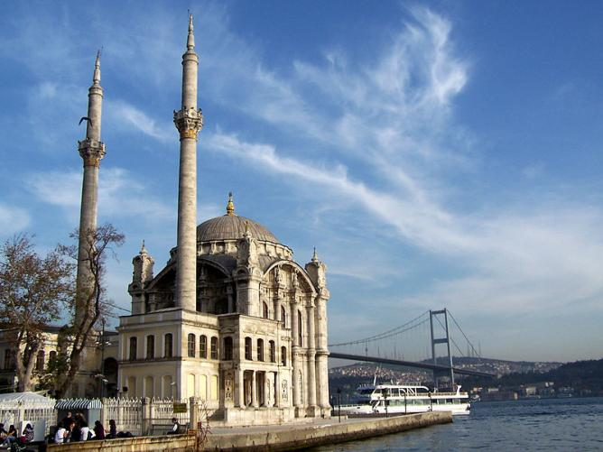 Ortaköy Mosque, along the Bosphorus, in Istanbul, Turkey.
