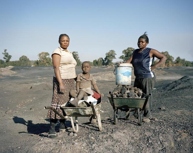 Sylvia, Angel and Setty, disused Coronation Colliery, Likazi, Emalahleni (Witbank), Mpumalanga, 2011 | © Ilan Godfrey