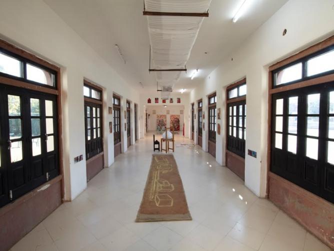 Kaman Gallery