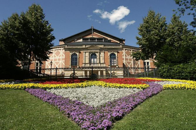 Bayreuth Festspielhaus | © Rico Neitzel/WikiCommons