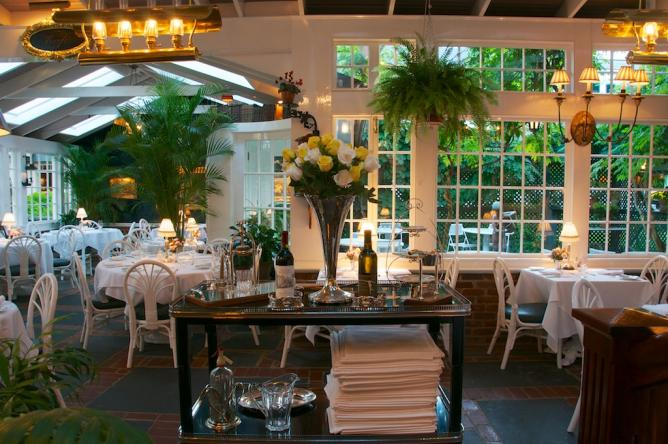 Top 10 restaurants in martha s vineyard massachusetts for Top of the terrace restaurant