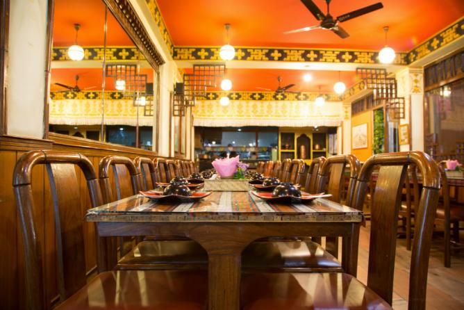 The 10 best places to eat in kathmandu nepal for Kitchen decoration nepal