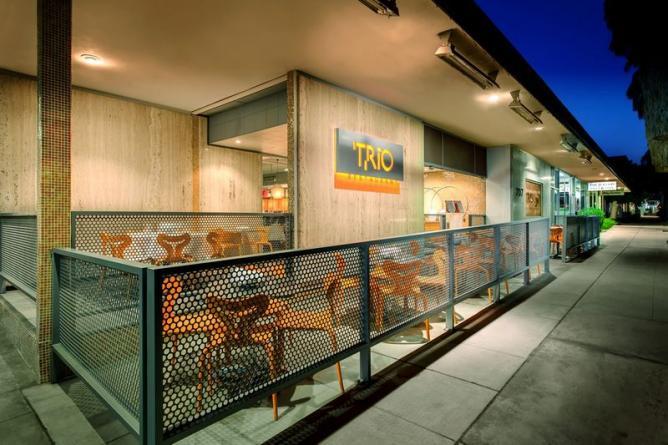 California Pizza Kitchen Palm Springs Area