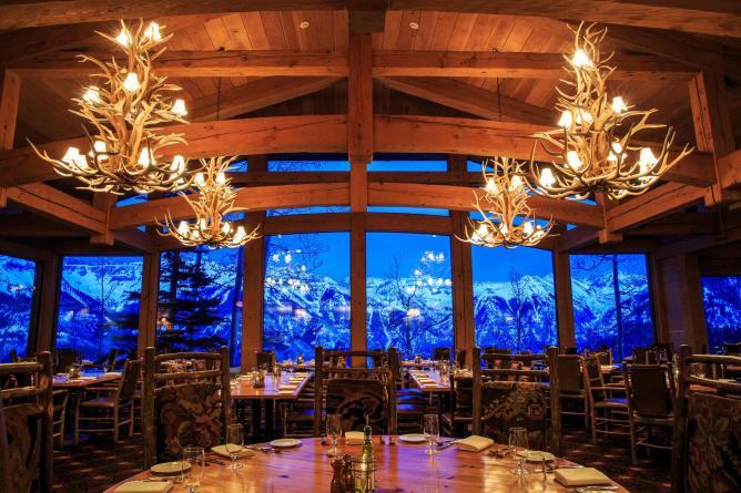 Interior of Allreds, Telluride Ski Resort