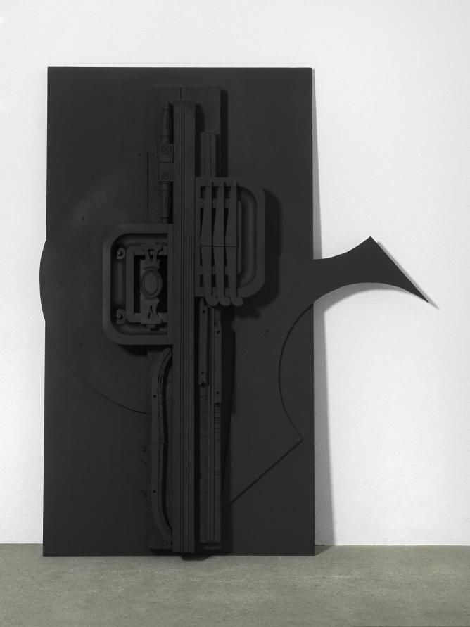 Nevelson_Untitled_ca.1976_Wood painted black_203x160x18cm