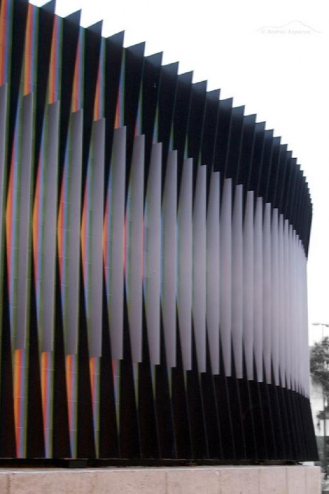 Carlos Cruz Diez Sculpture