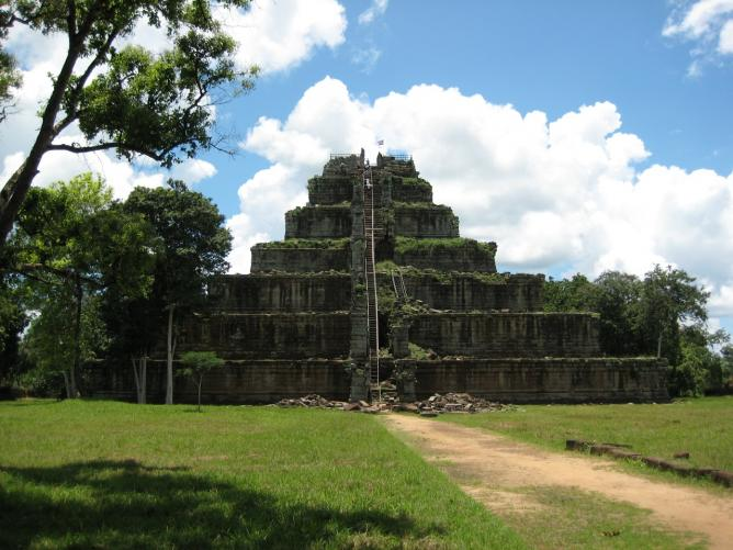 Koh Ker Temple | © Thomas Wanhoff/Flickr