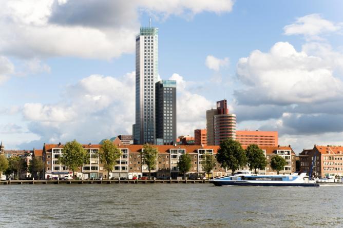 Maastoren from the river | © Daarzijn