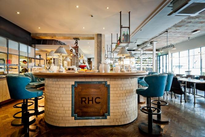 10 late breakfasts and brunches in london you 39 ll love for Covent garden pool table
