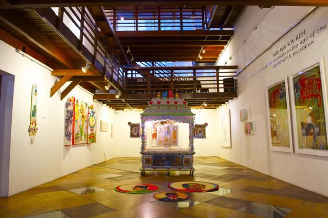 Anurendra Jegadeva, Ma-na-va-reh, 2014, room installation | Courtesy Wei-Ling Gallery