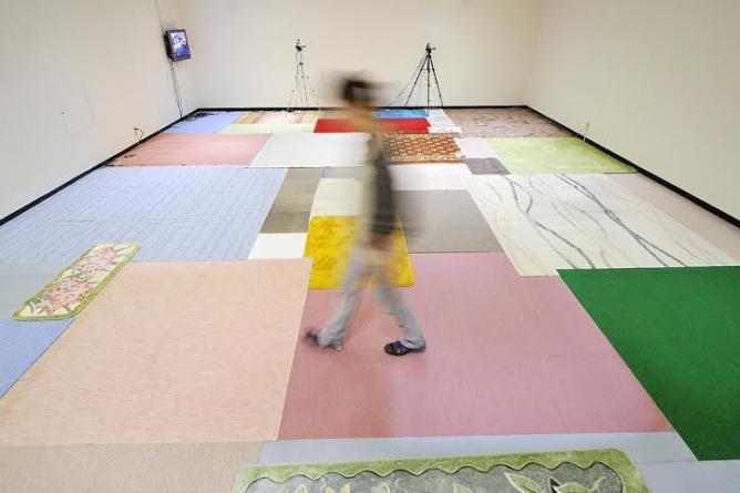 "Tokyo Installation view of the solo exhibition ""Kneading,"" at the Kanagawa Prefectural Gallery © Taro Izumi, courtesy of Take Ninagawa"