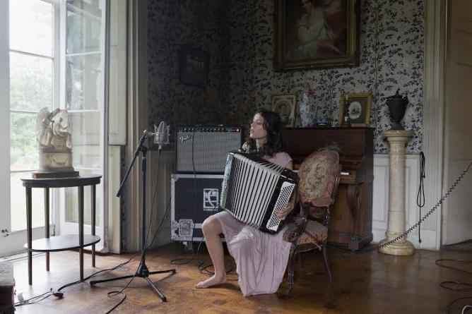 Ragnar Kjartansson, The Visitors, 2012. Photo: Elisabet Davids | © Courtesy of the artist and Kling & Bang gallery, Reykjavík