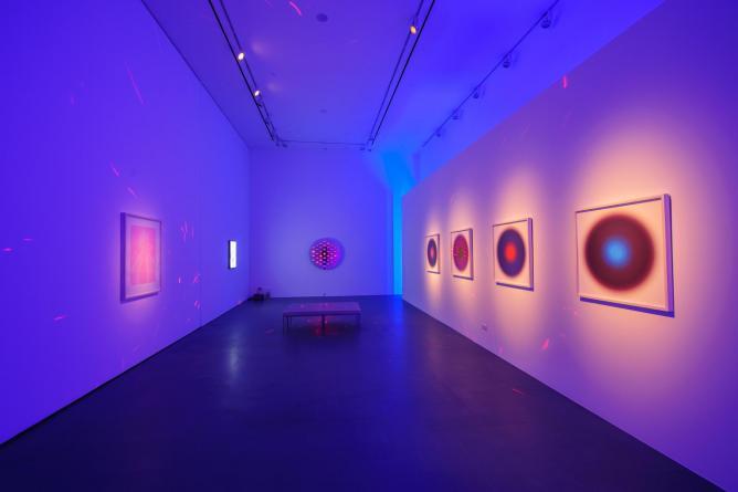 Chris Levine, LIGHT, Collectors Contemporary, 2014   Courtesy Collectors Contemporary & Chris Levine