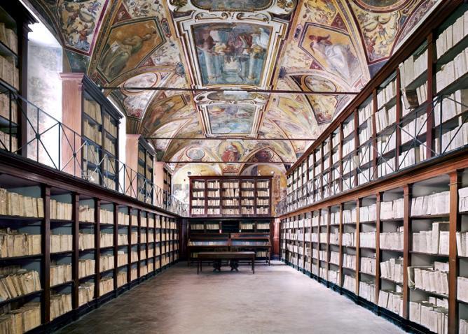 Höfer - Archivio di Stato Napoli I 2009 | Courtesy of Matthew Liu Fine Arts