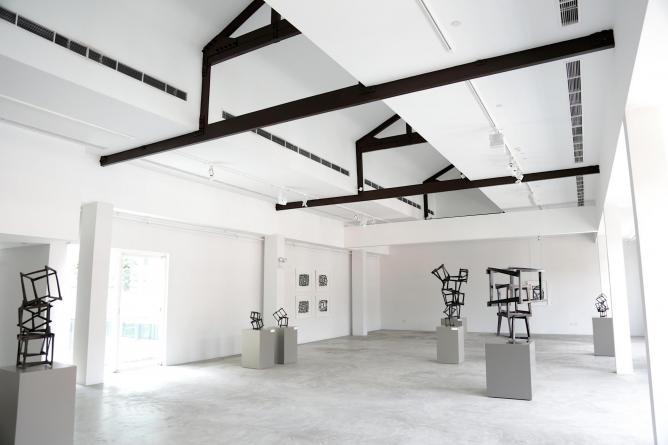 Installation view, Jedd Novatt: Solo Exhibition, Level 4, Art Plural Gallery   Photo courtesy Art Plural Gallery