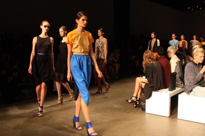 Models walk the runway during 2012 Mercedes-Benz Fashion Week Australia © Eva Rinaldi / Flickr